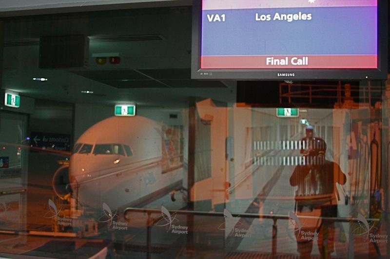 Final call to Las Angeles. Посадка на рейс компании V Australia VA1