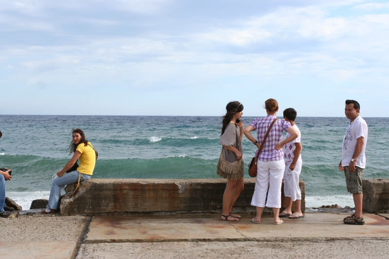 Волны на набережной в Сан-Ремо. Sea waves, promenade, Sanremo
