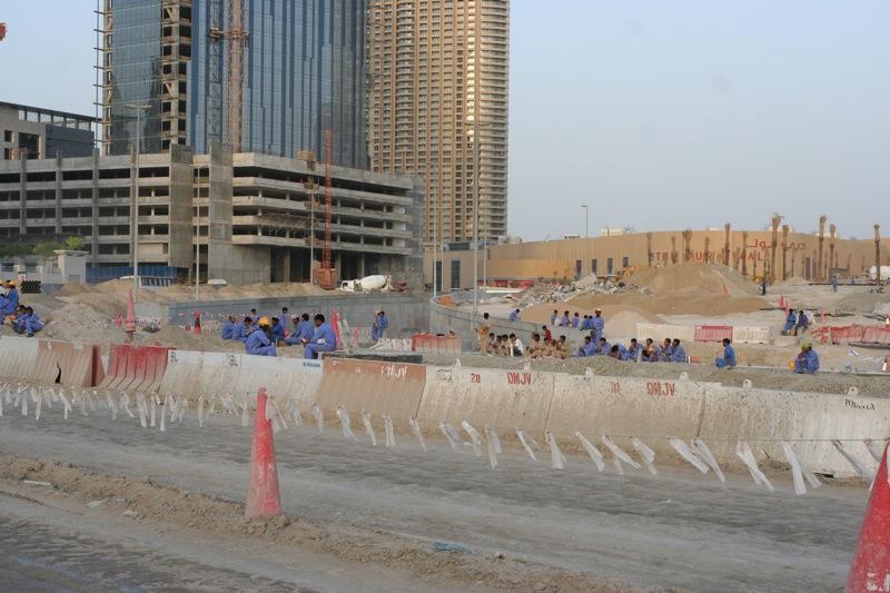 Строительные рабочие из Индии и Пакистана, Дубай