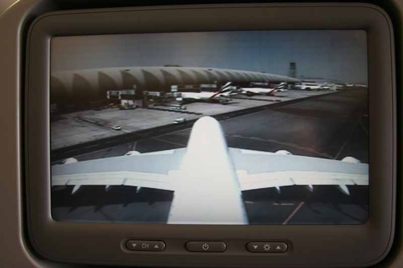 Inflight entertainment Airbus A380 Emirates. Камера на хвосте.