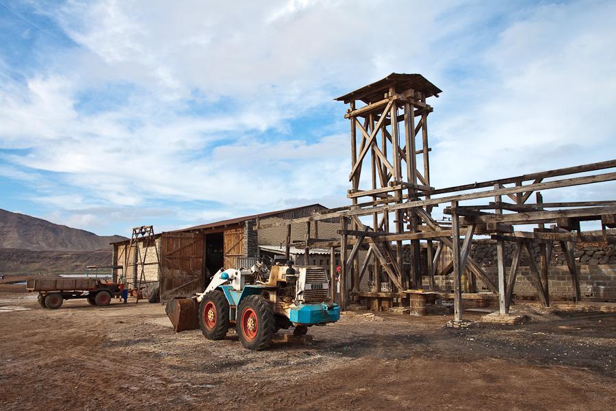 Соляной завод. Педра-де-Люме, остров Сал, Кабо-Верде. Salt factory. Pedra de Lume, Sal island, Cape Verde