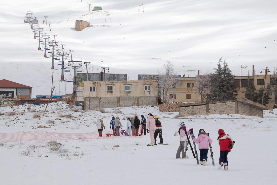 Le Cedrus, Cedars, Lebanon mountains. Цедар, горы, Ливан. Snow, skiing, snowboarding, infrastructure. Снег, лыжи, сноуборд, подъемники, курорты, инфраструктура
