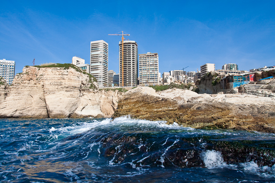 Raouché (Raoucheh) district, Beirut, Lebanon. Бейрут, Ливан.