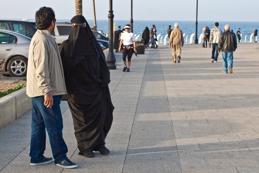 Locals on Beirut embankment, Lebanon. Местные жители на набережных Бейрута, Ливан