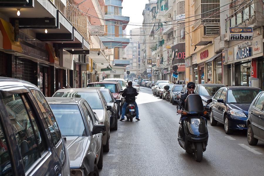 улицы района Хамра, Бейрут, Ливан. Hamra, Beirut, Lebanon
