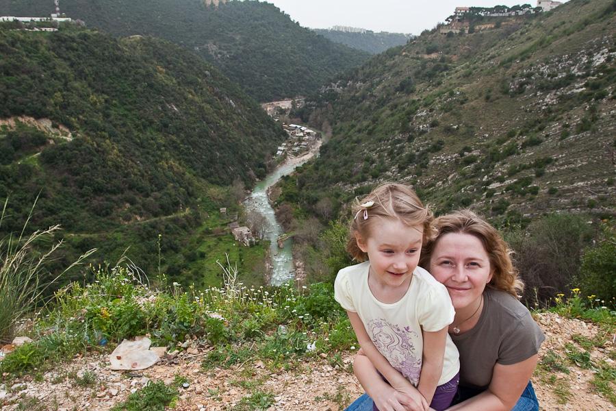 Near Grotte de Jeita. Юлия Власова и Даша Малова.