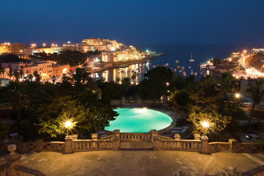 Вид из Palazzo Villa Rosa на Сент-Джулианс, Мальта