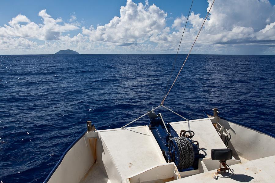 SRV Discovery. Прибытие на Питкэрн, Тихий океан