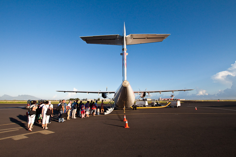 ATR72 F-OIQU. Аэропорт Фааа (Faaa), Папеэте, Таити, Французская Полинезия.