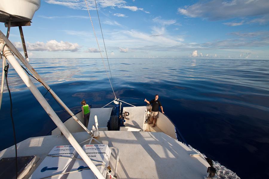 По дороге на Питкэрн. Тихий океан без волн. SRV Discovery, Capt Craig Markowski