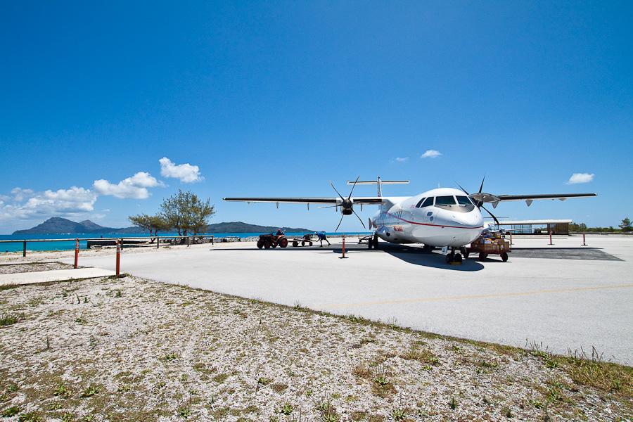 ATR72 F-OIQU, аэропорт Мангарева, архипелаг Гамбье, Французская Полинезия