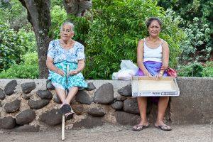 Полинезийские местные жительницы острова Хива-Оа, Маркизские острова.