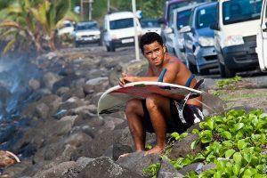 Грустный дайвер на острове Таити
