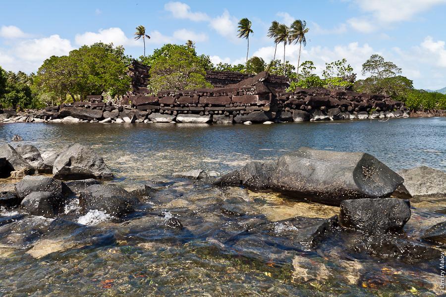 Развалины Нан-Мадола, остров Понпеи, Микронезия, Тихий океан. Nan Madol ruins, Pohnpei, Micronesia, Pacific
