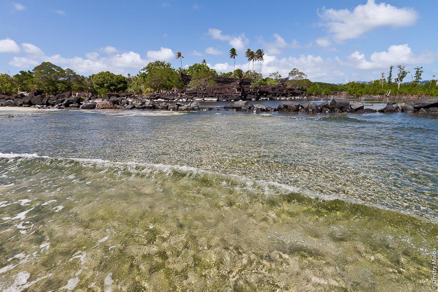 Нан-Дувас, центральная часть Нан-Мадола, остров Понпеи, Микронезия. Nandauwas, the central part of Nan Madol, Pohnpei island, Micronesia, Pacific