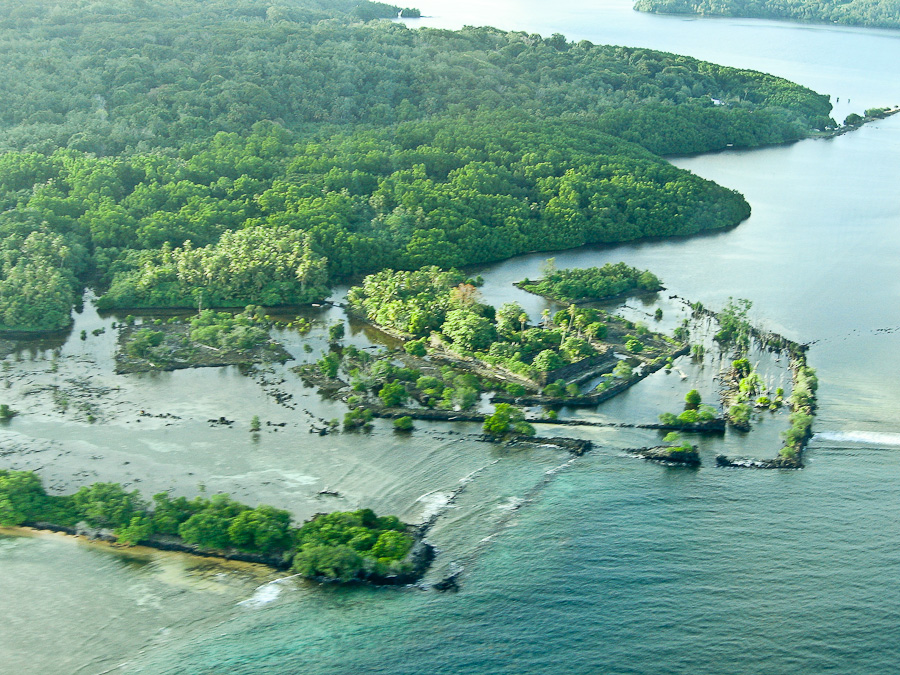Нан-Довас, центральная часть Нан-Мадола, остров Понпеи, Микронезия