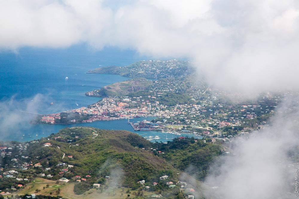 Столица Гренады город Сент-Джорджес. Аэро-фото