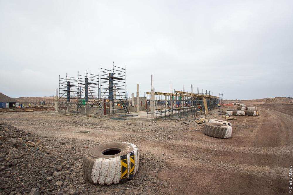 Construction of the future terminal building Saint Helena Airport. Строительство здания терминала аэропорта острова Святой Елены