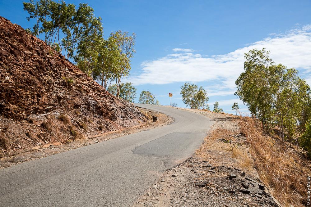 Восточный Тимор, загородная дорога. East Timor, Timor-Leste, countryside road