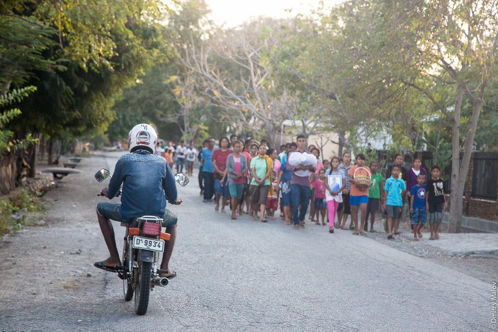 Процессия в Восточном Тиморе