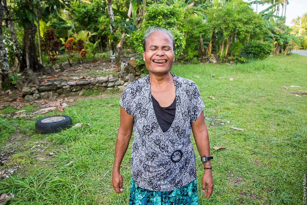 Местная жительница (женщина!) с острова Яп, Микронезия