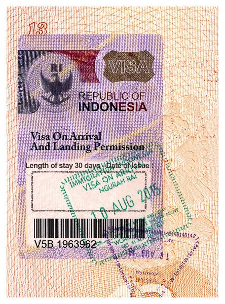 Виза и пограничные печати Индонезии в паспорте. Indonesia visa and border stamps