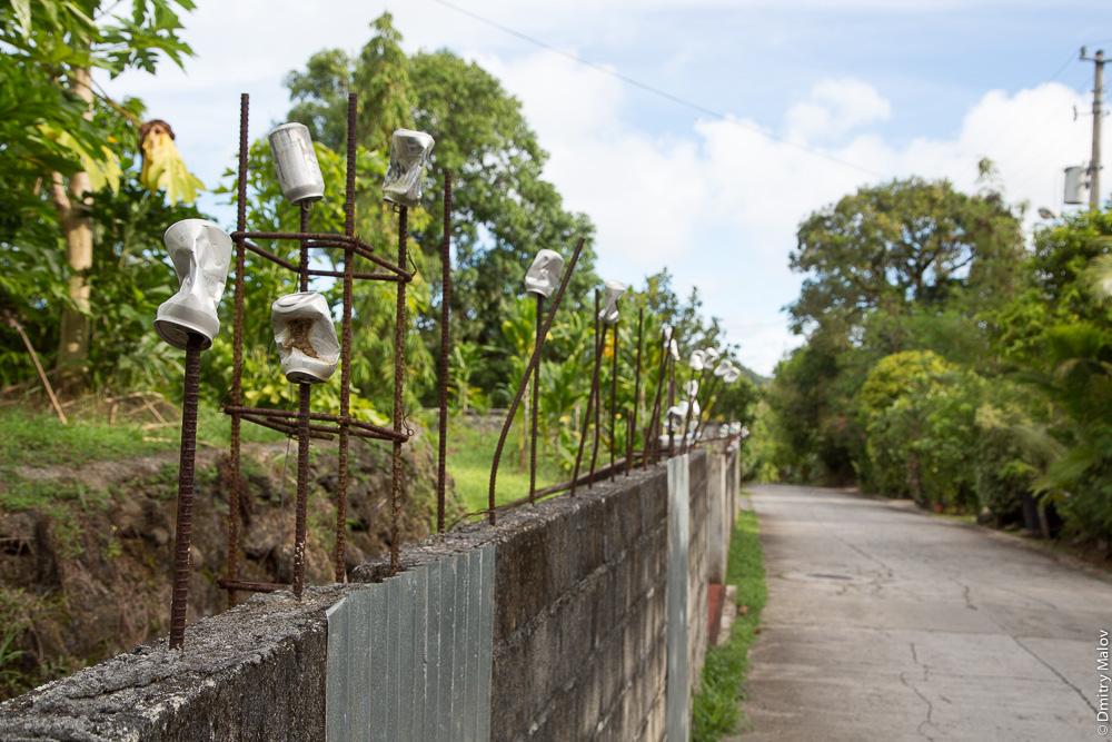 Мягкие границы общественных пространств из пивных банок. Палау