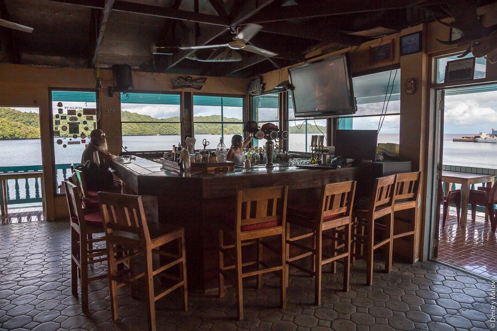 Kramer's Cafe, Koror, Palau. Внутри кафе-бара, Корор, Палау