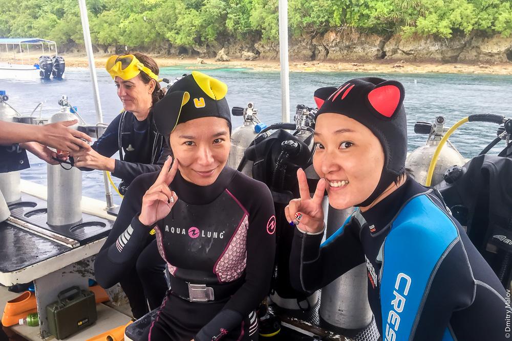 Японские дайверы на Палау. Japanese divers, Rock islands, Palau