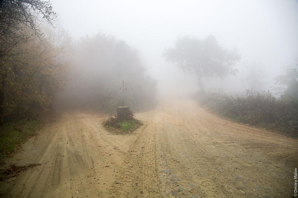 Поклонный крест на развилке дорог. Святая Гора Афон.