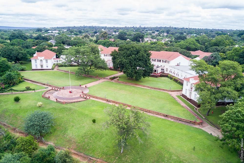 Aerial view, the Victoria Falls Hotel, Zimbabwe. Виктория Фолс Отель, водопад Виктория, Зимбабве. Вид с воздуха, вид сверху, аэрофотография, дронография