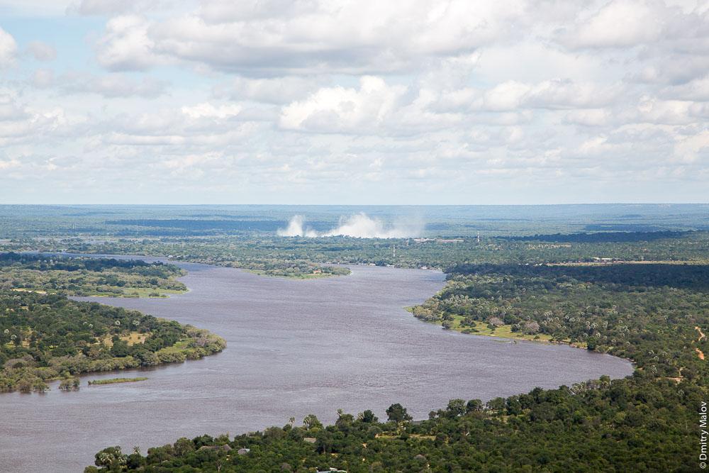 Водопад Виктория, Замбези, Замбия, Зимбабве. Victoria Falls, Zambezi, Zambia, Zimbabwe