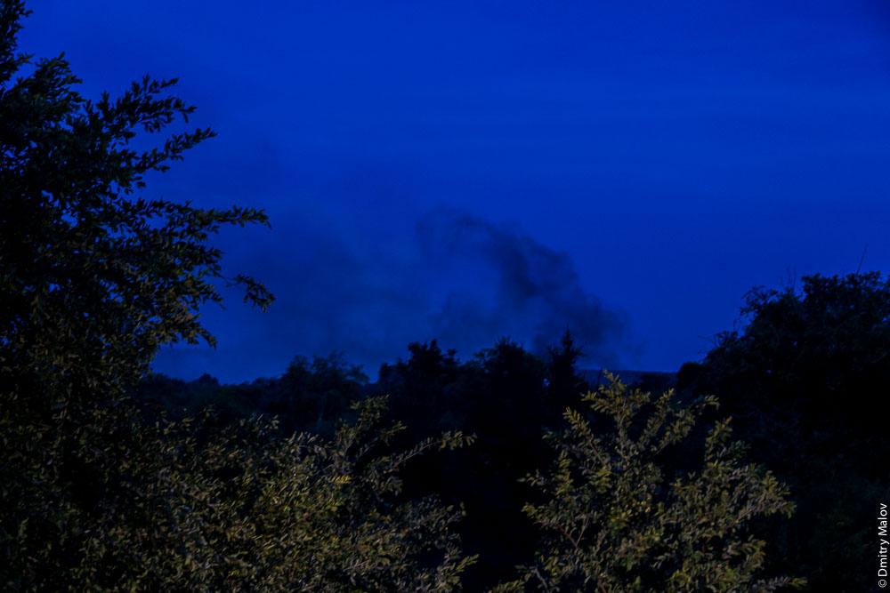 Водопад Виктория ночью, Замбези, Замбия, Зимбабве. Victoria Falls by night, Zambezi, Zambia, Zimbabwe