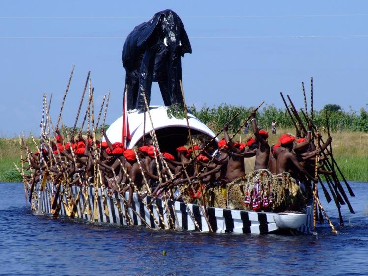 Церемония куомбока, Замбези, Баротселенд, Замбия. Traditional ceremony, Kuomboka, Zambezi River, Zambia, Barotseland