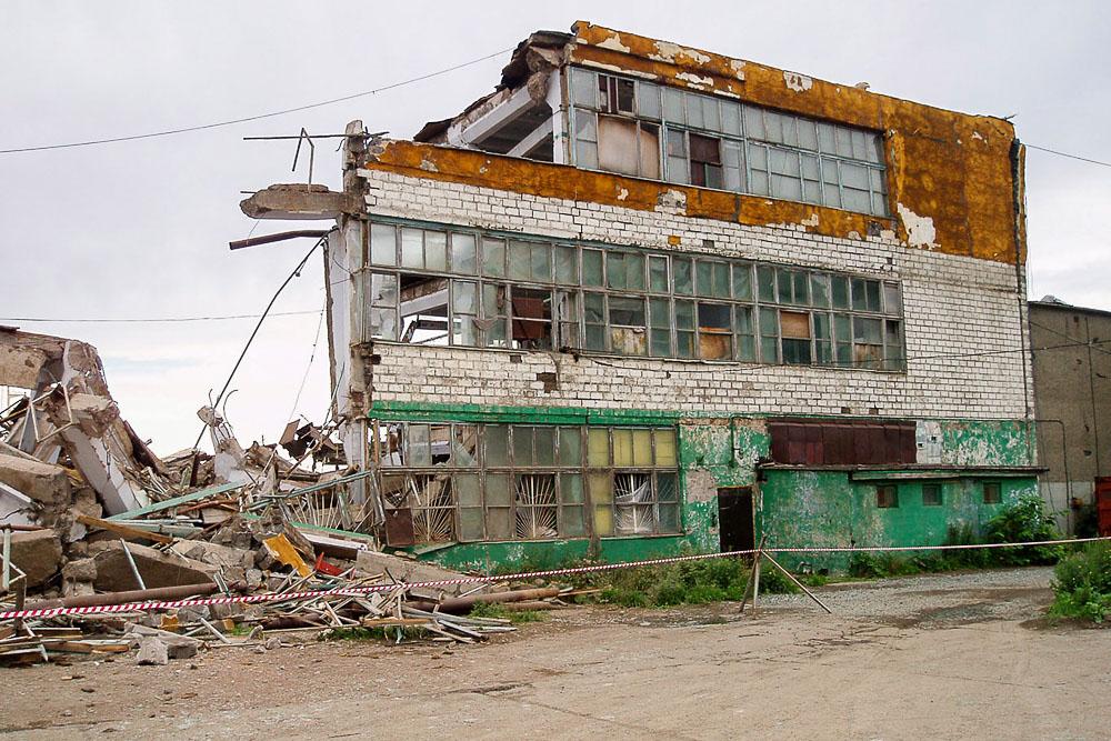Последствия землетрясения в Невельске, Сахалин. After the earthquake in Nevelsk, Sakhalin, Russia. 2007