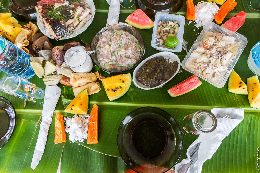 Полинезийская еда, полинезийский стол. Polynesian food, Polynesian table.