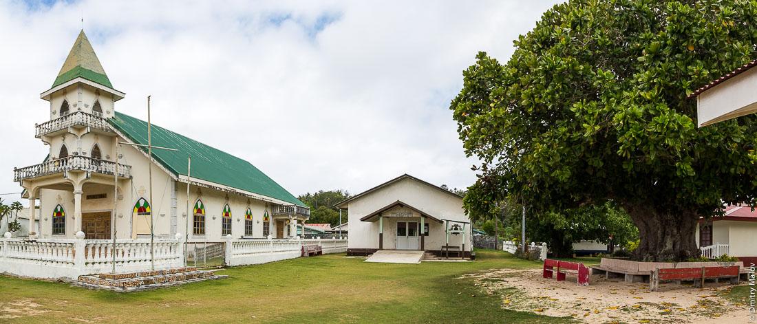 Деревня Анапото, Риматара, архипелаг Острал (Тубуаи), Французская Полинезия. Anapoto village, Rimatara, the Austral archipelago (Tubuai), French Polynesia.