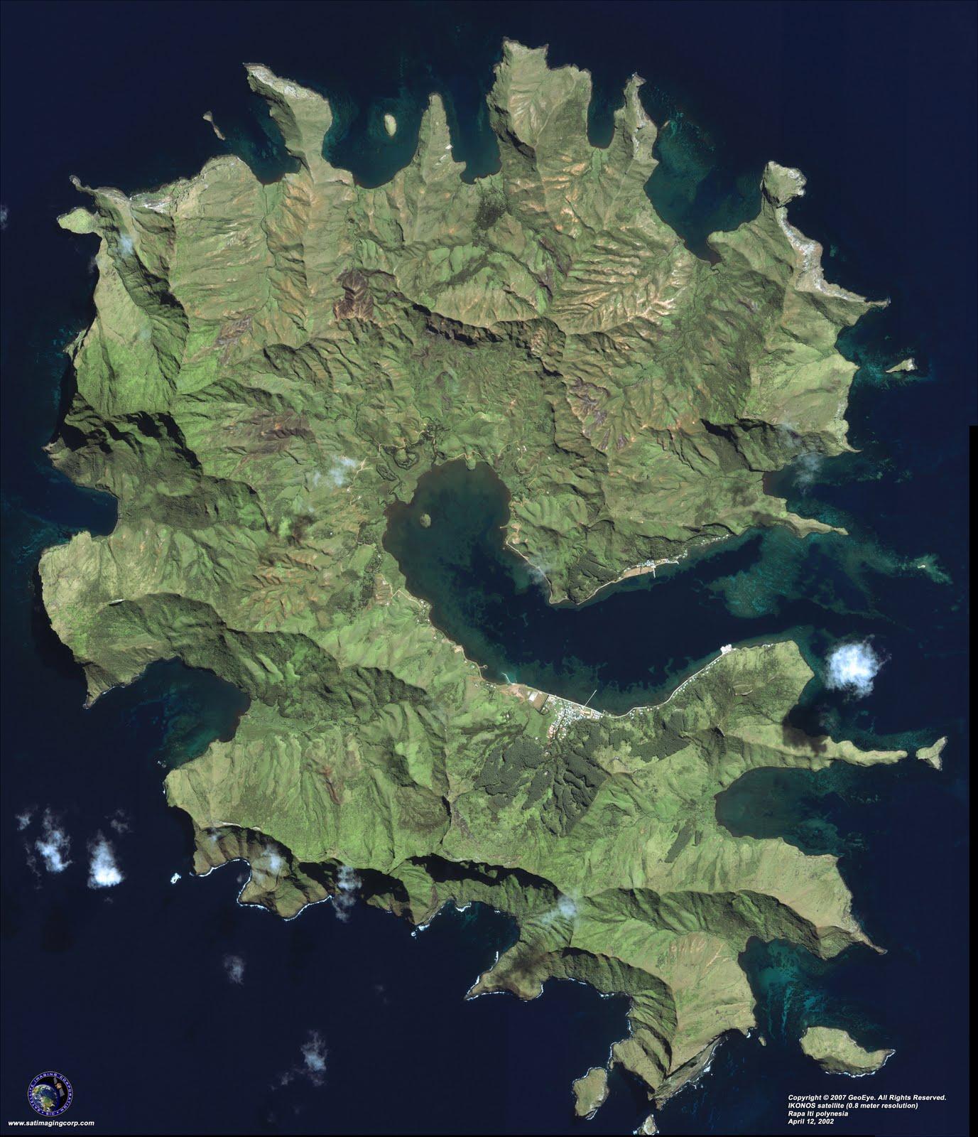 IKONOS satellite foto, Rapa Iti island, Polynesia, April 12, 2002. Copyright 2007 GeoEye