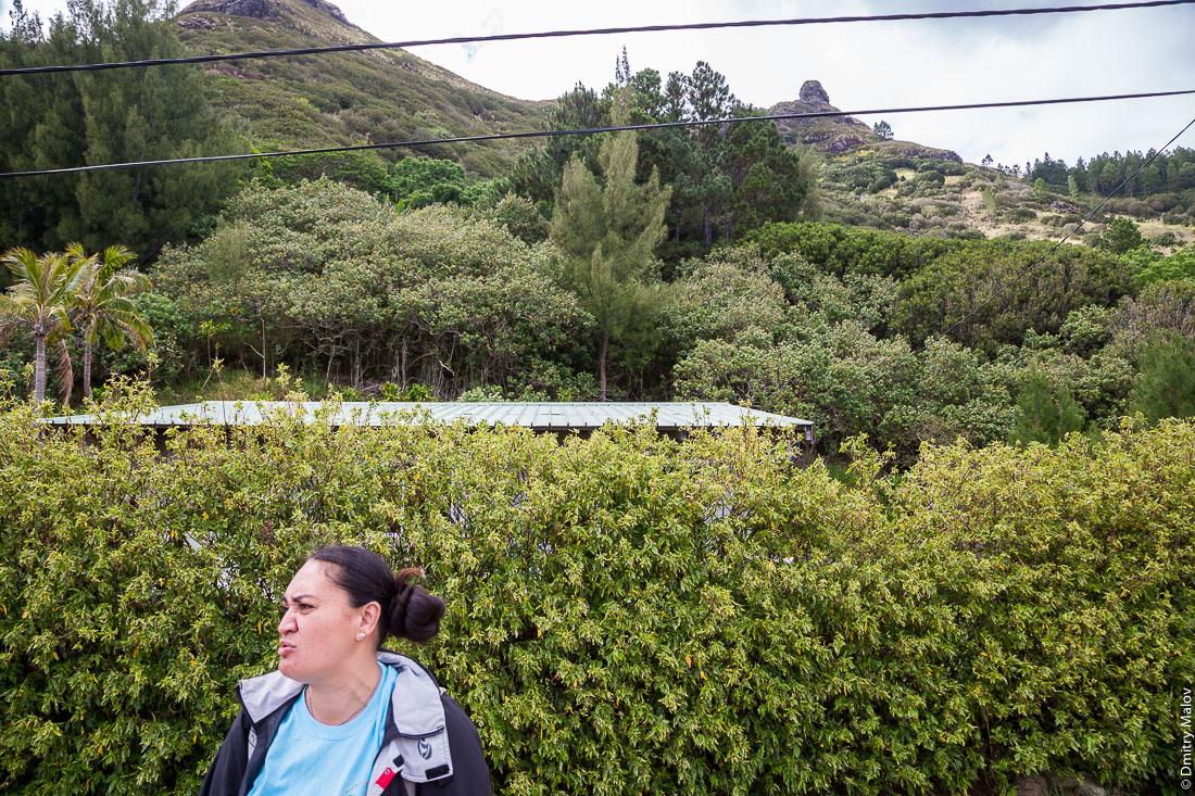 Наш гид Синтия, Ауреи, остров Рапа-Ити, архипелаг Басс, Французская Полинезия. Our guide Sinthia, Ahuréi, Rapa-Iti, The Bass Islands, French Polynesia.