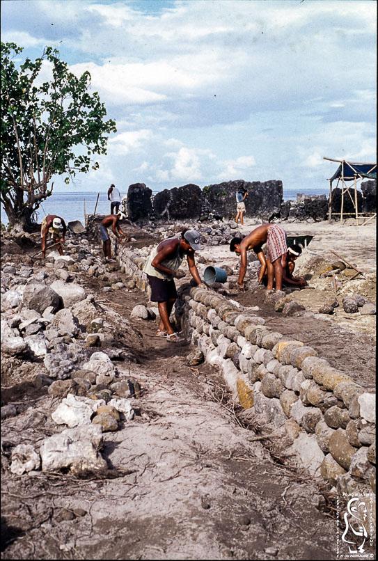 Restoration of the Hauviri marae © Fonds SCP