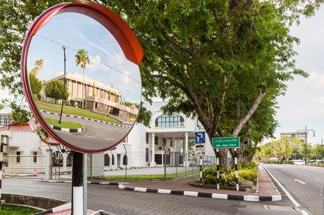 Бандар-Сери-Бегаван, Бруней-Даруссалам. Bandar Seri Begawan, Brunei Darussalam