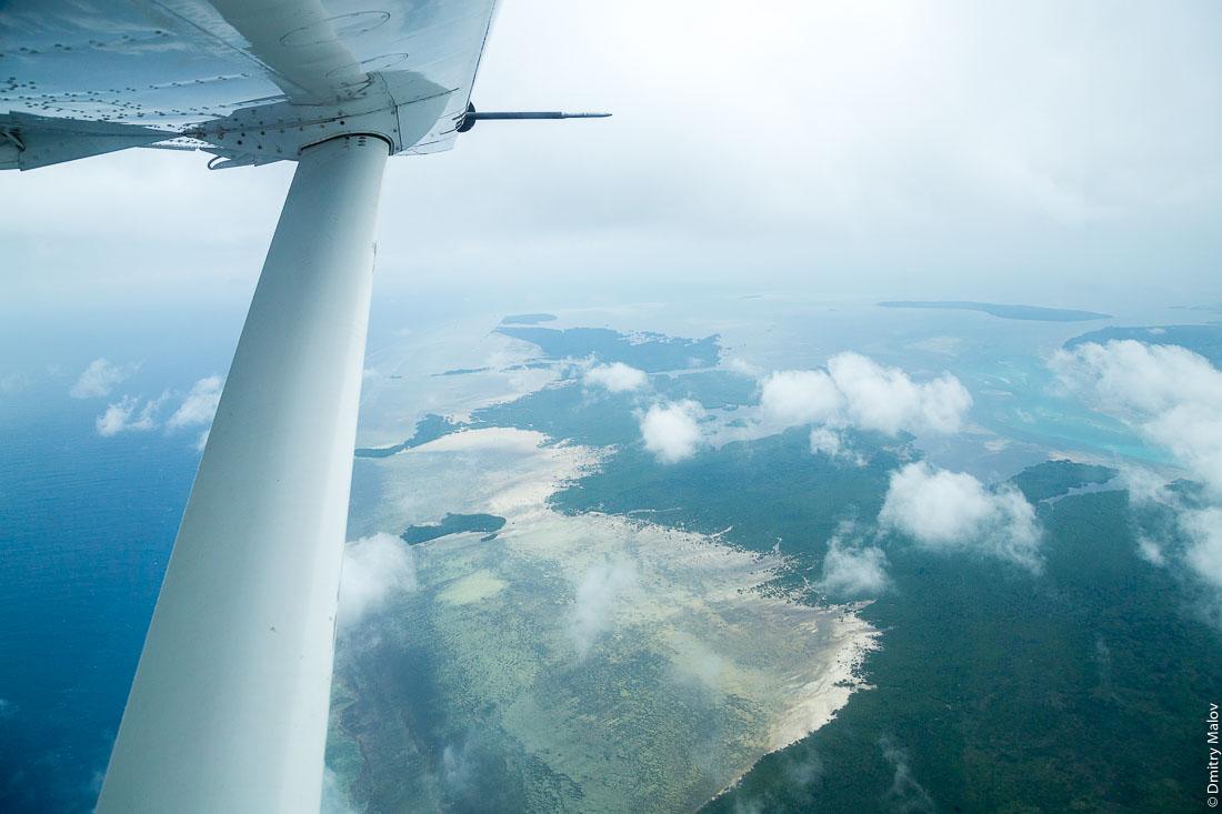 Остров Пемба, архипелаг Занзибар, Танзания. Фото с самолёта. Pemba island, Zanzibar archipelago, Tanzania. Aerial photo
