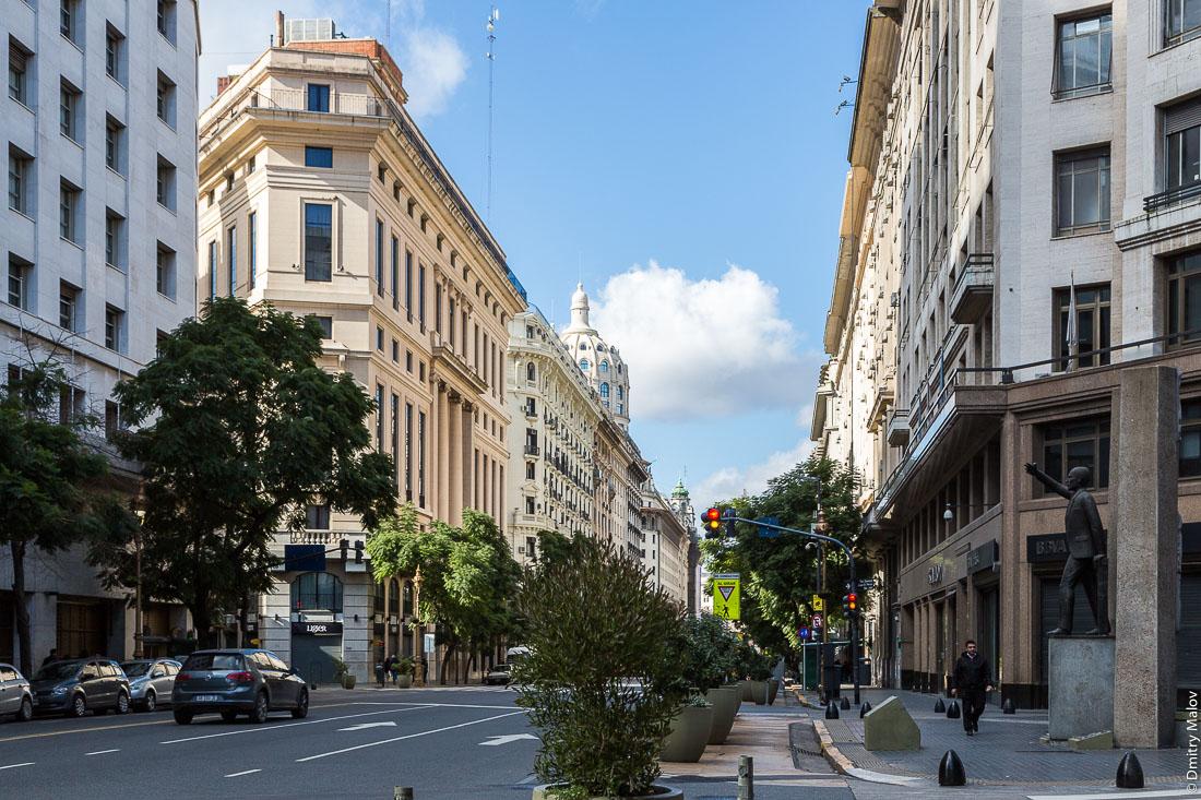 Авенида Роке Саэнс Пенья (Диагональ Норте), центр Буэнос-Айреса, Аргентина. Avenida Roque Sáenz Peña (Diagonal Norte), downtown Buenos Aires, Argentina