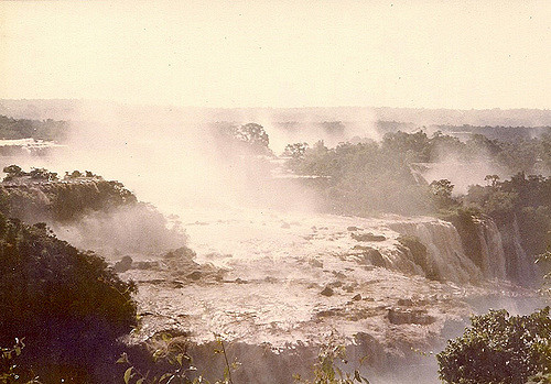 Водопад Сальто де Сети-Кедас, водопад Гуайра, Бразилия, Парагвай. Salto de Sete Quedas, Saltos del Guairá, Guaíra Falls, Brazil, Paraguay