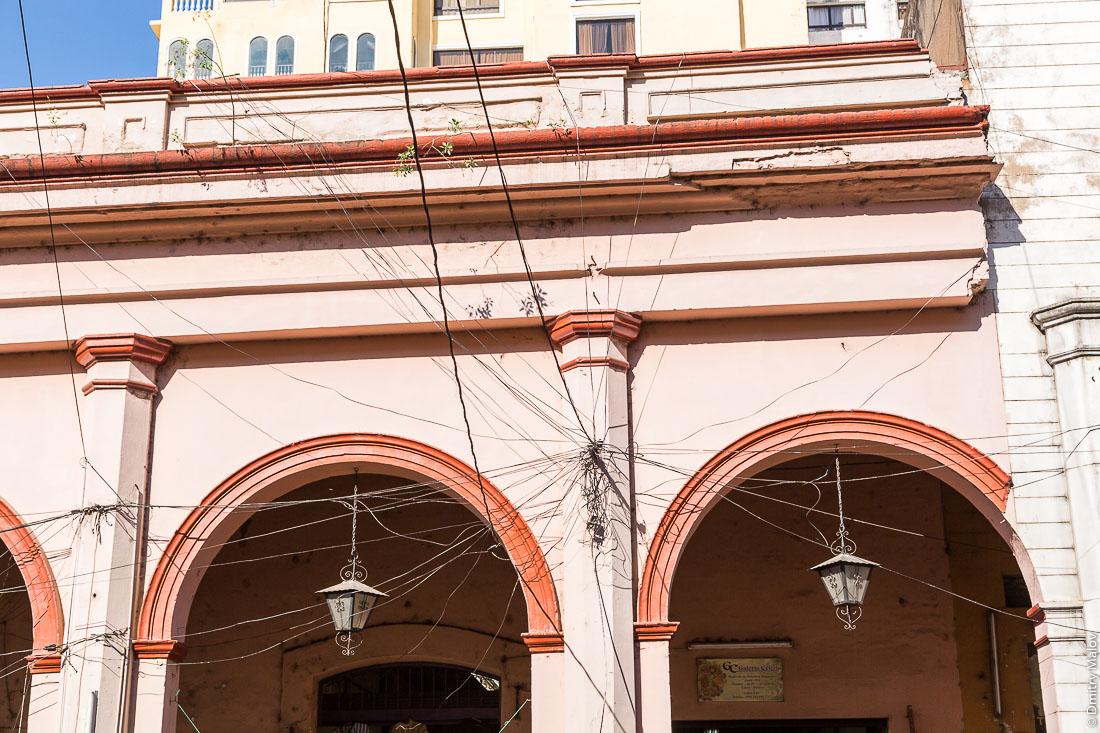 Воздушные кабеля, Асунсьон, Парагвай. Overhead cables, Asuncion, Paraguay
