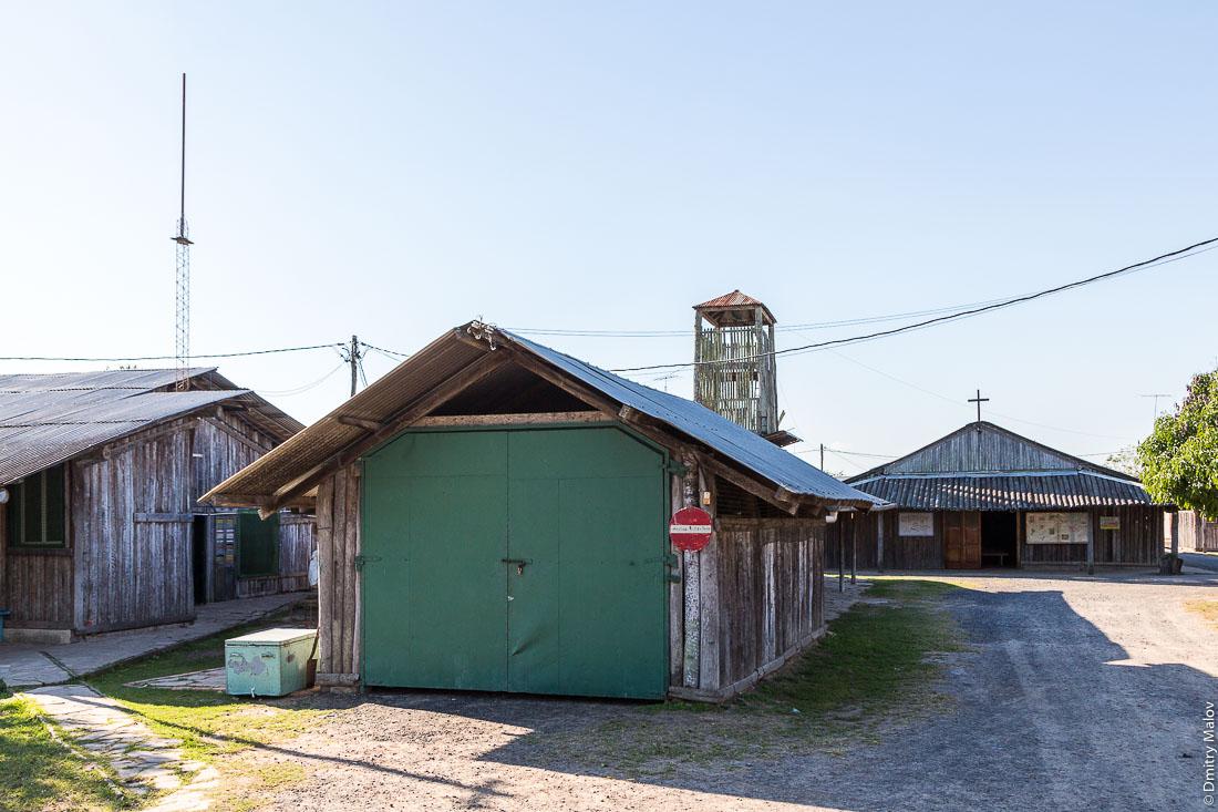 Изуитская школа у дороги №9 Рута Трансчако, Гран-Чако, Парагвай. The