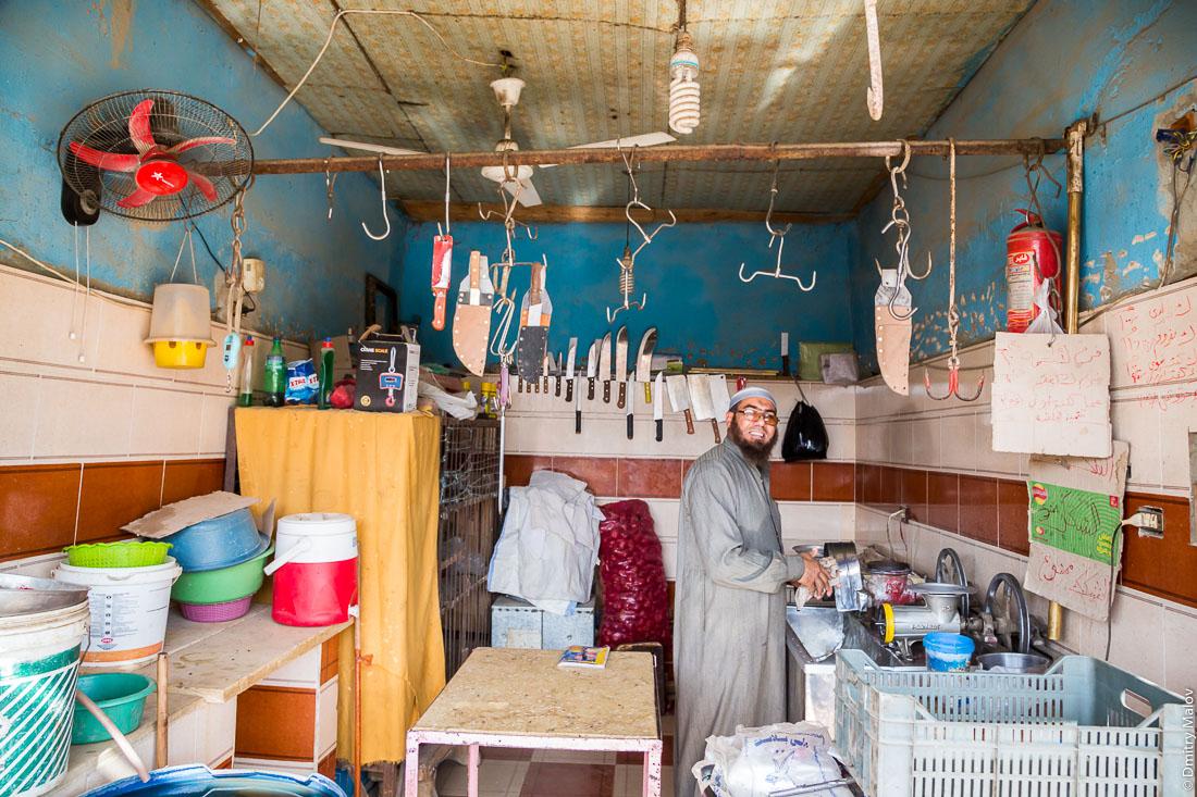 Магазин, Эль-Бавити, Оазис Бахария, Западная пустыня, Сахара, Египет. Store, El-Bawiti, Oasis of Baharia, Western Desert, Sahara, Egypt.
