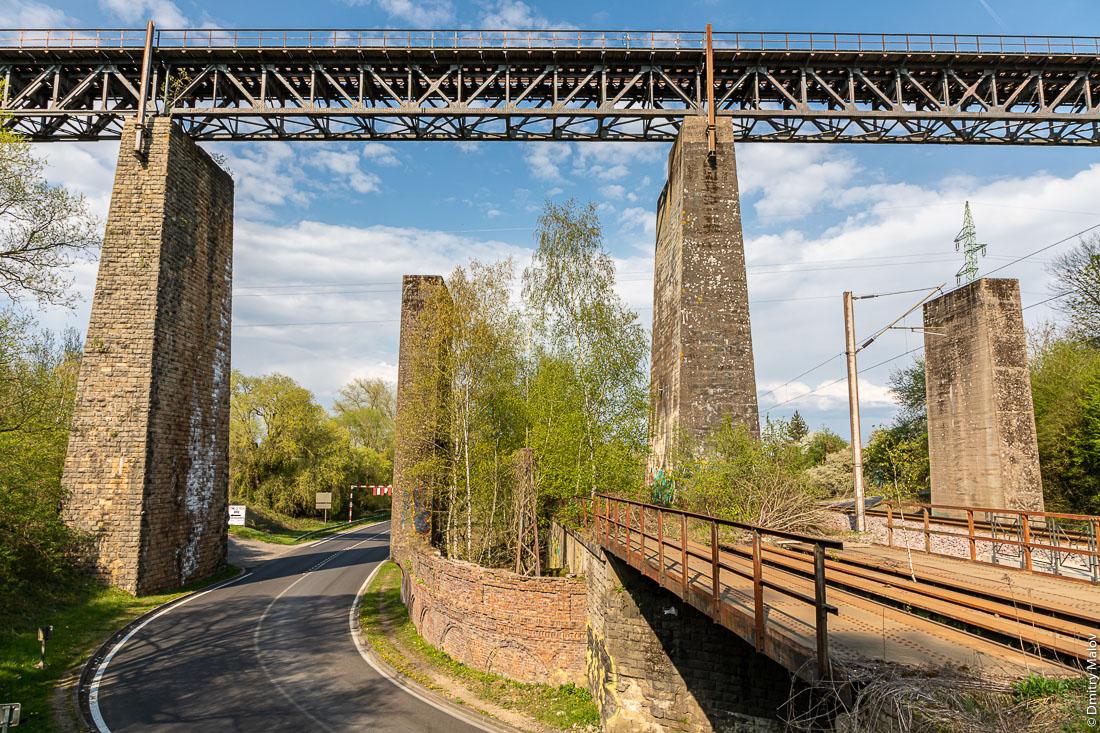 Historic industrial district with the high railroad bridge, Esch-sur-Alzette. Историческая промзона с высоким железнодорожным мостом, Эш-сюр-Альзетт, Люксембург