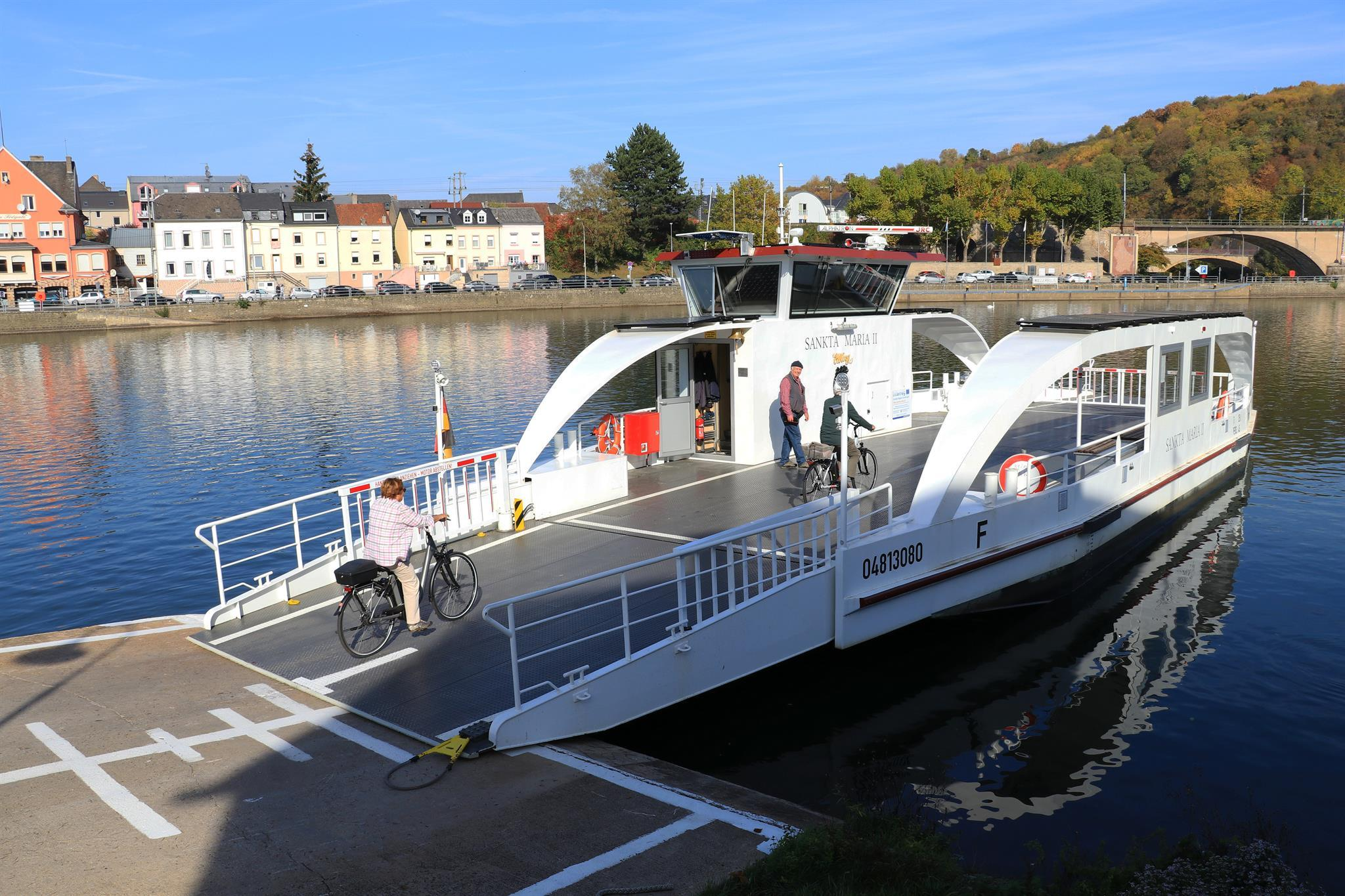 Car ferry on the Upper Moselle between Oberbillig (Germany) and Wasserbillig (Luxembourg)