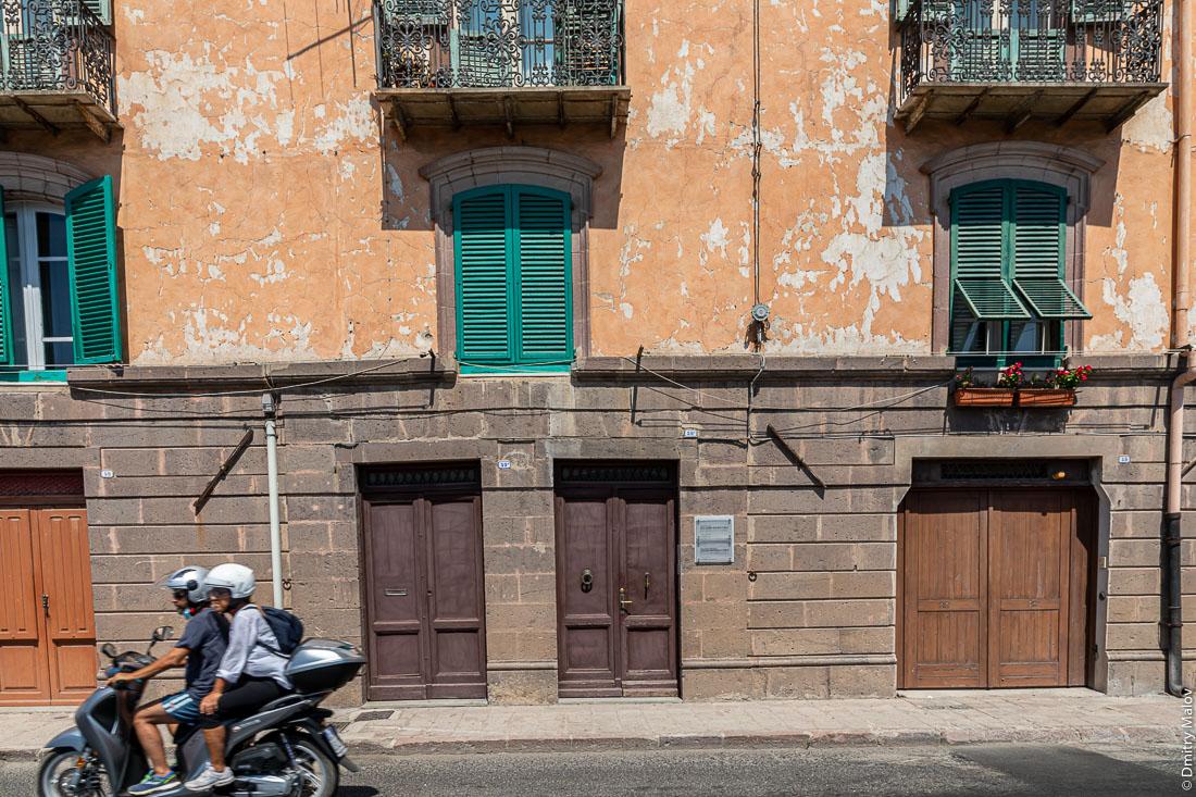 Город Боза, Сардиния, Италия